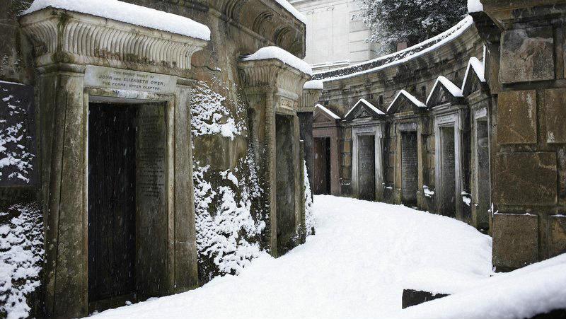 Необычные экскурсии по кладбищам (1)