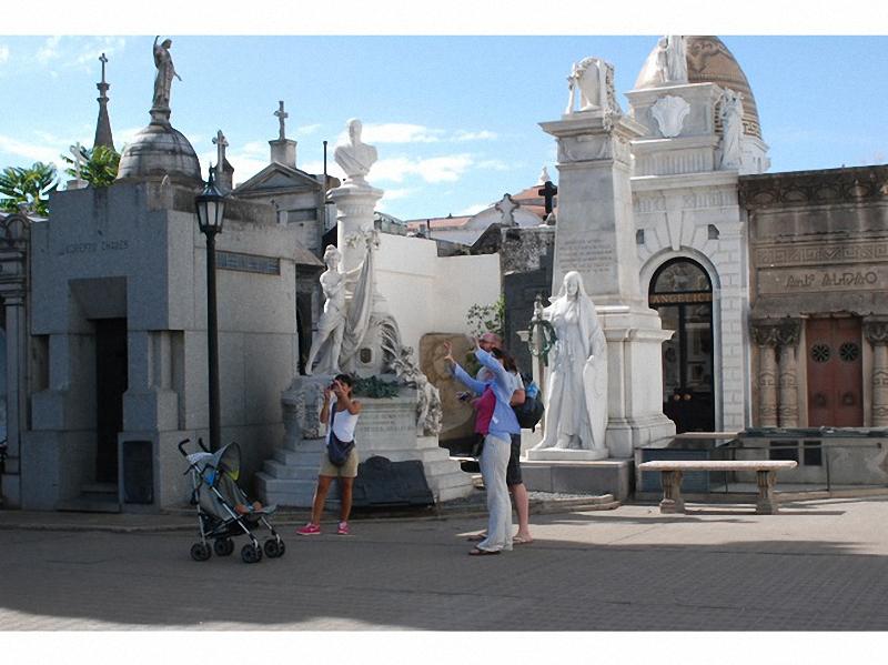 Необычные экскурсии по кладбищам (25)