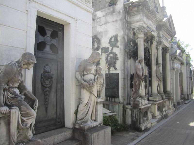 Необычные экскурсии по кладбищам (24)