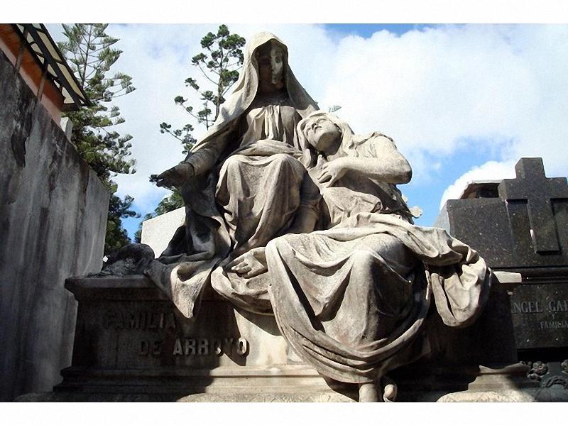 Необычные экскурсии по кладбищам (20)