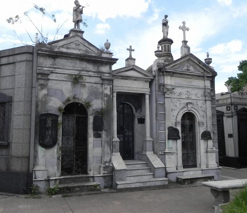 Необычные экскурсии по кладбищам (33)