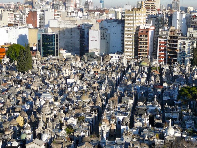 Необычные экскурсии по кладбищам (30)