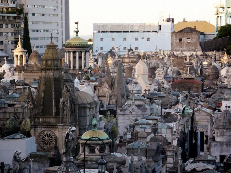 Необычные экскурсии по кладбищам (27)