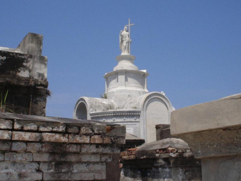 Необычные экскурсии по кладбищам (40)