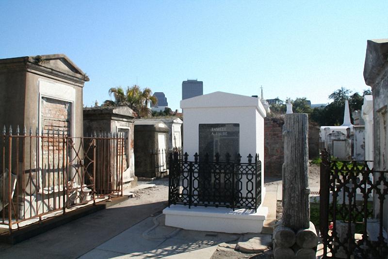 Необычные экскурсии по кладбищам (39)