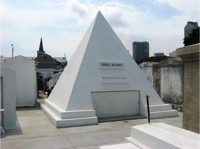 Необычные экскурсии по кладбищам (49)