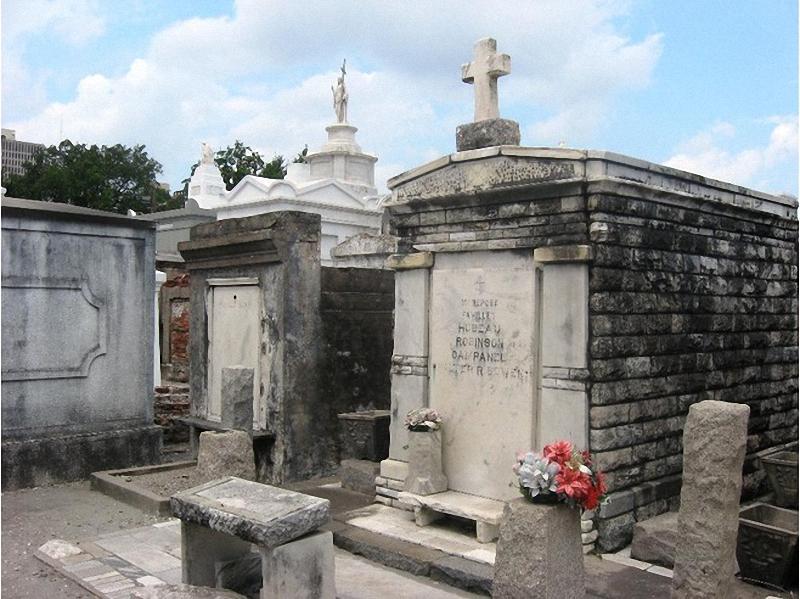 Необычные экскурсии по кладбищам (47)