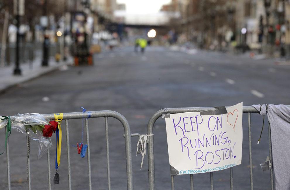 Дань памяти жертв бостонского марафона (7)