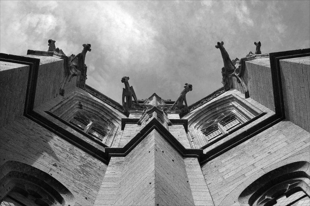 Гаргулья - архитектурные чудища (9)