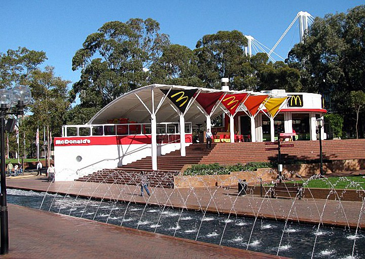 Необычные здания McDonald's (19)