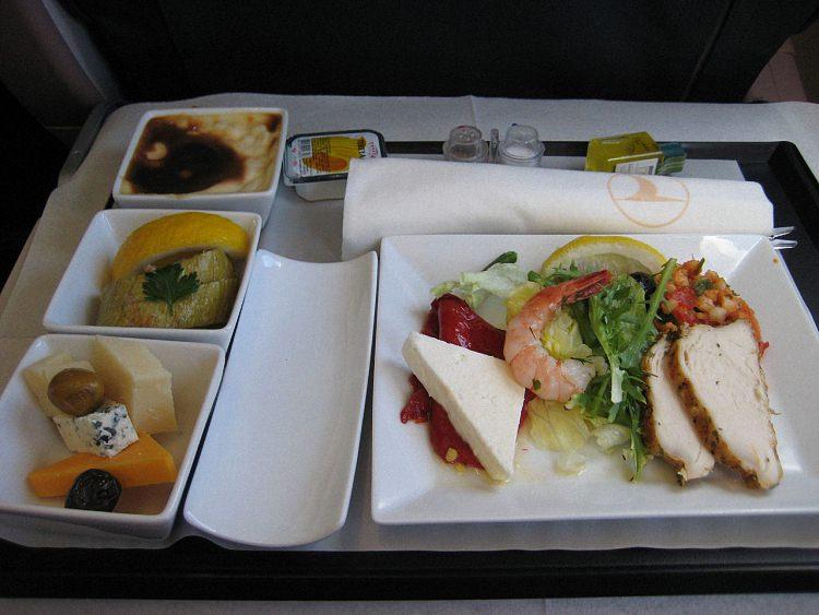 Питание в самолете - обзор авиакомпаний мира (16)