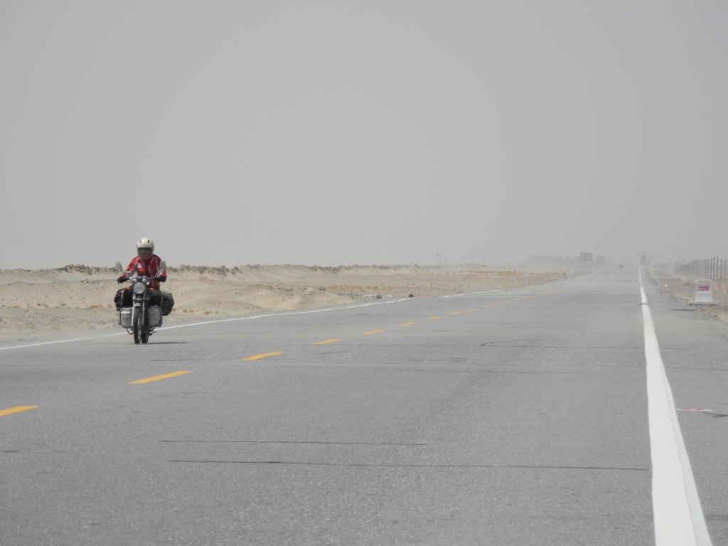 Самое длинное пустынное шоссе в мире (13)