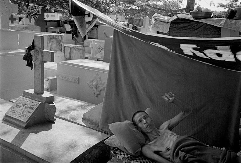 Город-кладбище в Маниле (13)
