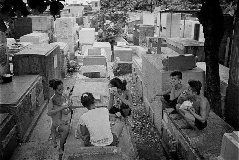 Город-кладбище в Маниле (14)