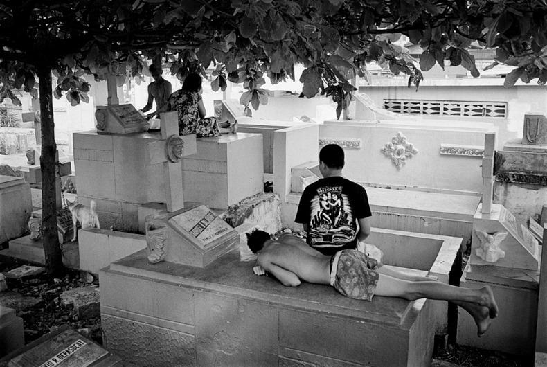 Город-кладбище в Маниле (17)