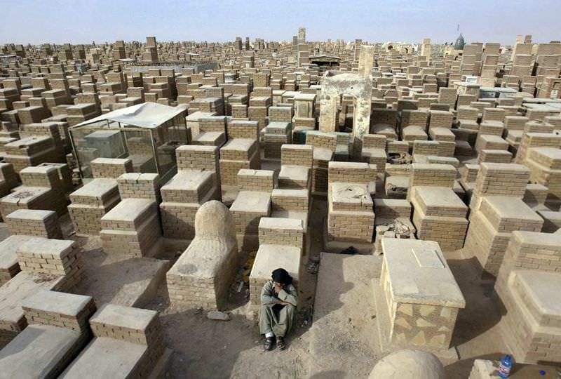 Самое большое кладбище в мире: Вади-ус-Салама (6)