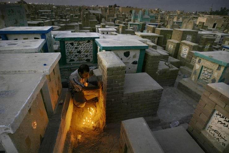 Самое большое кладбище в мире: Вади-ус-Салама (7)
