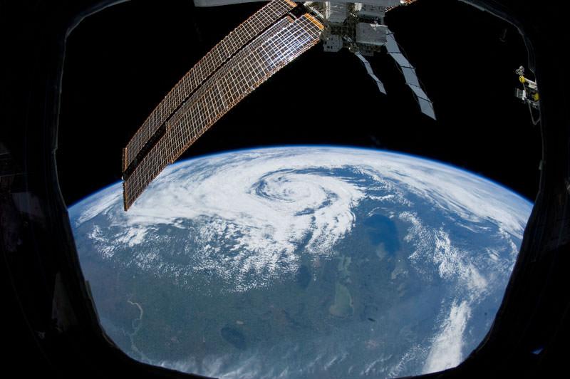 Купол МКС - окно в Космос (2)
