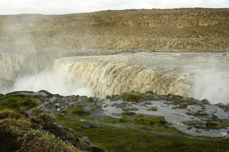 Деттифос - самый больший водопад Европы