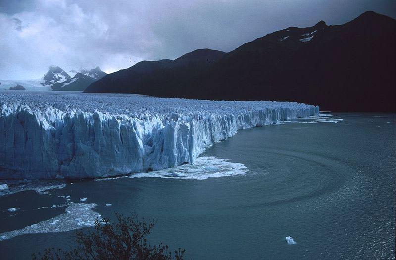 ледник площадью 250 квадратных километров и 30 километров ширины