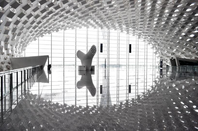 Удивительный терминал международного аэропорта Шэньчжэнь (19)